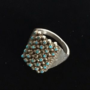 Vintage Zuni Signed  Petit Point Turquoise Ring